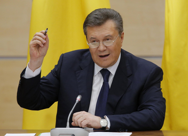 Yanukovich durante entrevista coletiva em Rostov-sur-le-Don, sul da Rússia
