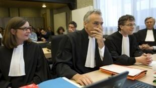 Les avocats de la société maritime Trafigura qui a affrété le Probo Koala, le 1er juin 2010.