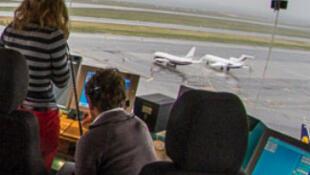 Greve dos controladores aéreos em França vai continua nesta quarta-feira (25).