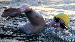 Sarah Thomas became the first woman to swim the English Channel four times non-stop.