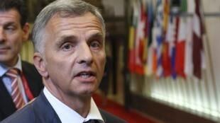 O presidente da Organização para a Segurança e Cooperação na Europa (OSCE), Didier Burkhalter, chega à reunião em Bruxelas neste 12 de maio de 2014.