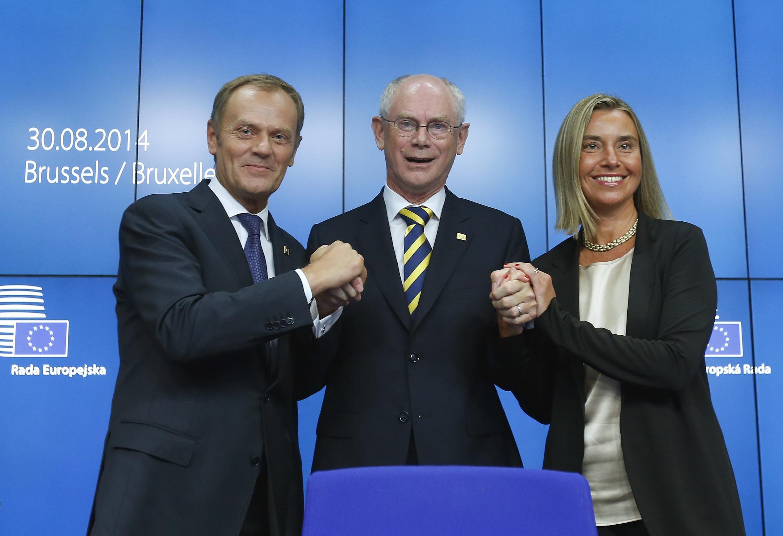 Donald  Tusk aux côtés d'Herman Van Rompuy et de l'Italienne  Federica Mogherini, nouvelle chargée des Affaires étrangères de l'UE à Bruxelles.