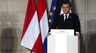 O presidente francês Emmanuel Macron obtem do Conselho Francês do Culto Muçulmano que este passe a certificar os imãs.