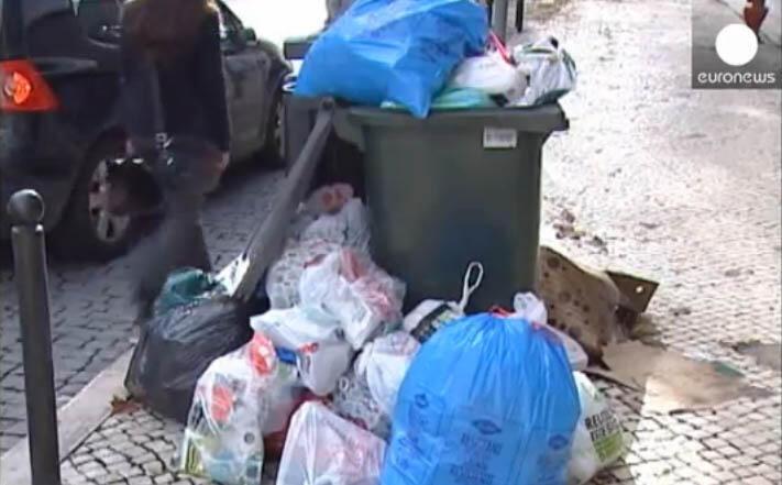 Em 2014,  segundo as autoridades cada pessoa produzia 4 quilos de lixo por dia em Angola