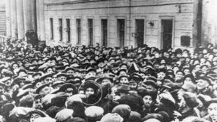 Israeli ambassador to the Soviet Union Golda Meir surrounded by crowd of 50,000 Jews near Moscow Choral Synagogue on the first day of Rosh Hashanah in 1948