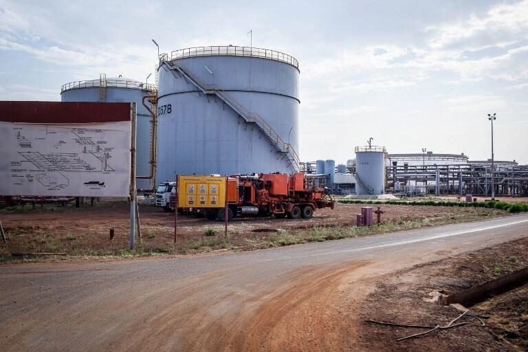 Des installations pétrolières dans la ville de Paloch, au Soudan du Sud, en 2014.