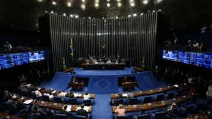 Plenário do Senado durante votação que conduz o julgamento de Dilma à sua última etapa.