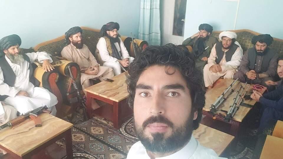 Journaliste afghan travaillant pour les Taliban