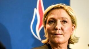 Марин Ле Пен считает, что новое название поможет Нацфронту изоткрыто оппозиционной превратиться в«партию правительства, способную вступать вальянсы»