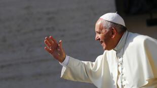 圖為羅馬天主教皇方濟各2016年6月在梵蒂岡主持彌撒