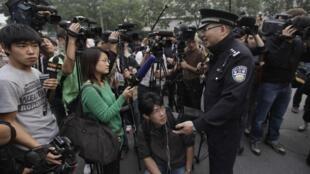 劉曉波獲得諾貝爾和平獎後其妻子不能接受採訪