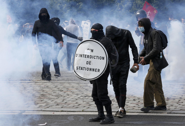 """Los agitadores (""""casseurs"""") son un  puñado pero pueden causar muchos daños."""