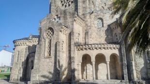 Templo de La Veracruz. ¿Quién podría imaginarse que fue construído a mediados del siglo XX?.