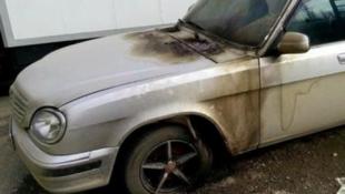 В Дагестане сожгли служебный автомобиль «Мемориала»