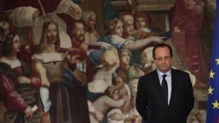 O presidente francês François Hollande, no Palácio do Eliseu, em imagem do dia 16 de dezembro de 2013.
