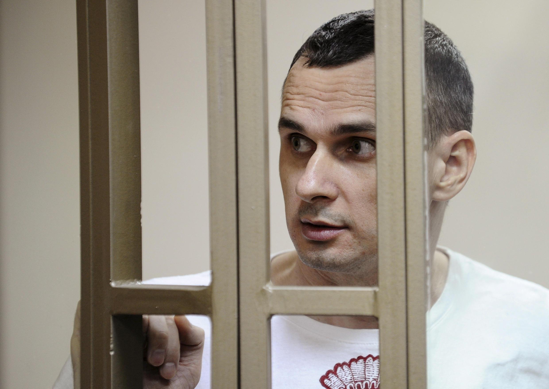 Oleg Sentsov durante seu processo em Rostov-on-Don em agosto de 2015