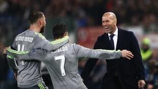 Mai horar da Real Madrid Zinadine Zidane tare da Cristiano Ronaldo da kuma Sergio Ramos