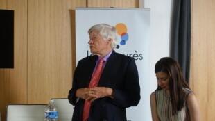 Geoffrey Robertson, advogado de Lula, em Paris.