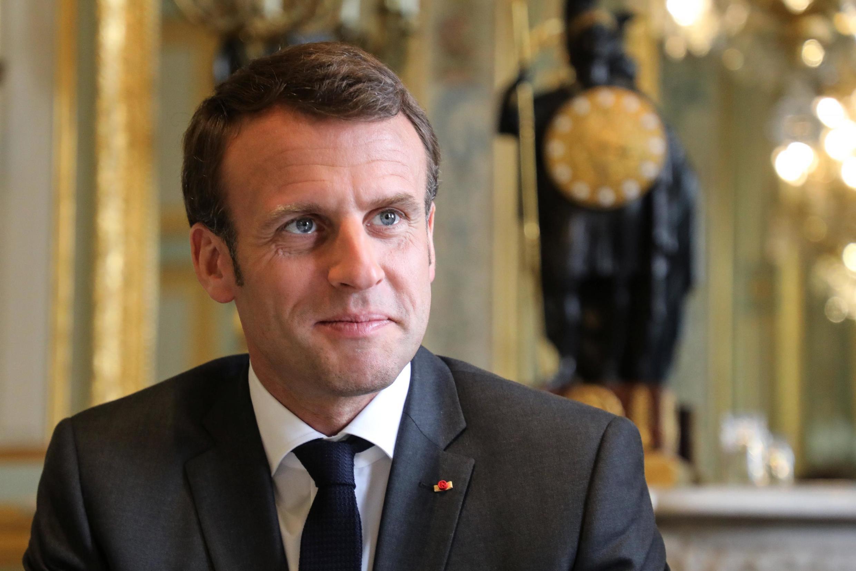 Интрига мероприятия теперь состоит скорее не в том, какими обещаниями Макрон «накормит» французов, но в том, как президент будет держаться на своей первой самостоятельной пресс-конференции