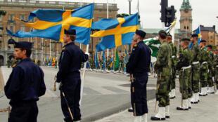 Suécia: serviço militar voluntário não atendeu demanda das Forças Armadas.