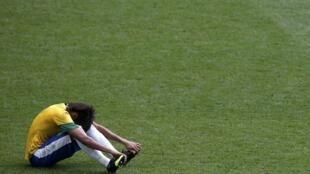 Neymar depois de perder o ouro olímpico para os mexicanos na final de futebol dos Jogos Olímpicos de Londres, neste sábado (11), no estádio de Wembley.