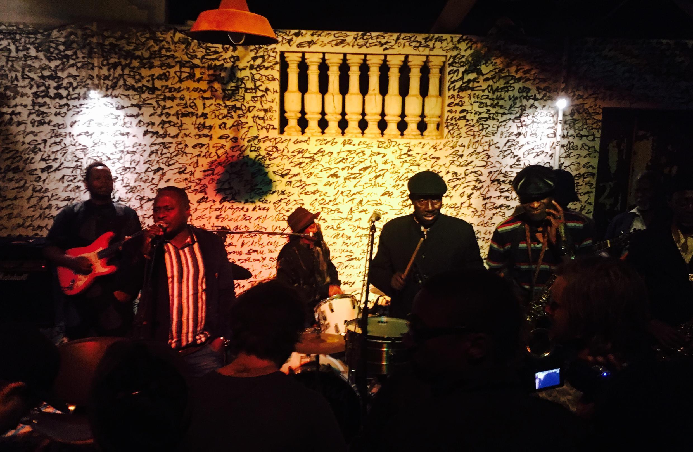 L'Orchestra Baobab ce samedi 25 mars en concert au « Bastion pirate », dans le quartier Ouakam à Dakar.