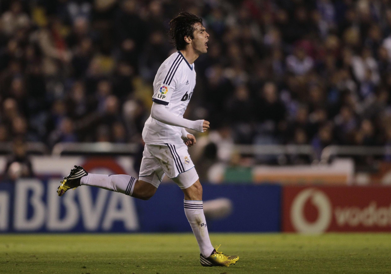 Em boa fase, Kaká do Real Madri, não escondeu a alegria depois de vencer La Coruña por 2-1. Ele pode voltar, contra o Barcelona