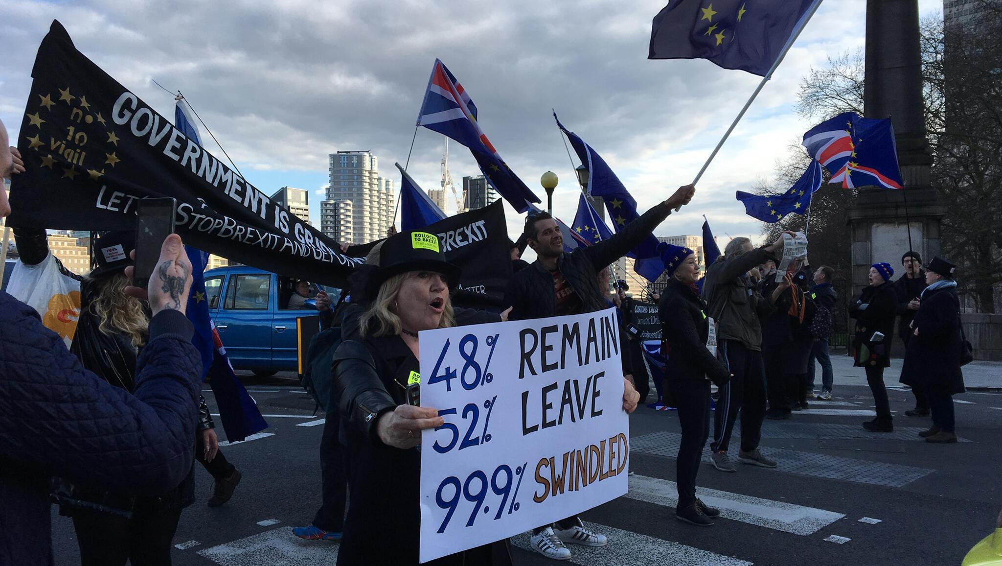Le 26 mars 2018, les opposants au Brexit manifestaient devant le Parlement.