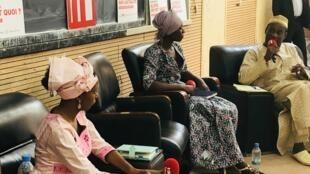 Salimata Mallé, étudiante en médecine ; Khadidja, jeune chercheuse malienne et Yaya Sangaré, ministre des Maliens de l'extérieur.