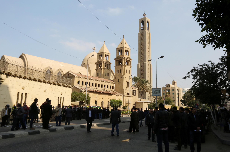 """کلیسای ارتدکس """" St. Mark """" در قاهره، پس از انفجار بمب که در داخل کلیسا روی داد. ۲۱ آذر/ ١١ دسامبر ٢٠۱۶"""
