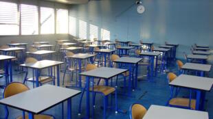 Las salas de clase se quedarán vacías más tiempo.