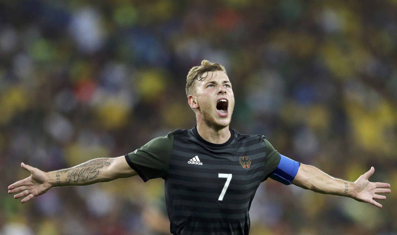 Max Meyer fez o gold e empate da Alemanha.