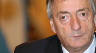Varias personas cercanas al difunto presidente Néstor Kirchner están en la mira de la Justicia.