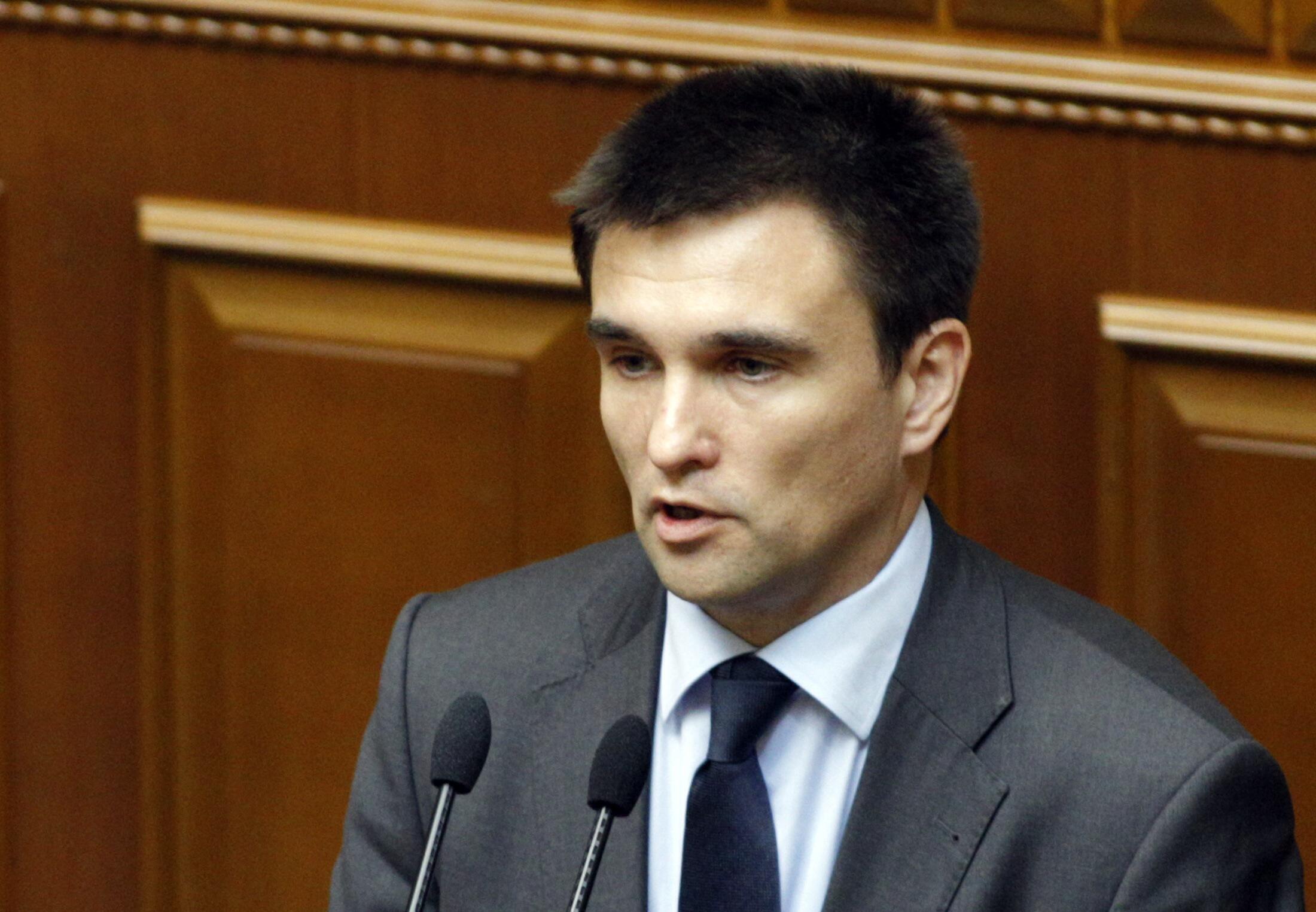 Ministro das Relações Exteriores da Ucrânia Pavlo Klimkin participa da reunião e defenderá o plano de paz proposto pelo presidente ucraniano, Pero Porochenko.