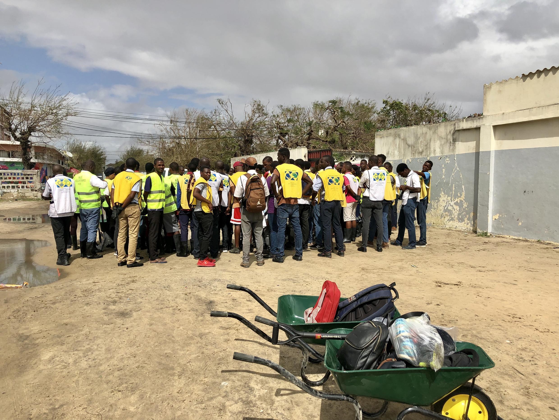 Limpeza por populares na Cidade da Beira a 25 de Março de 2019