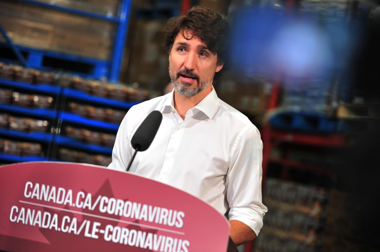 El primer ministro canadiense Justin Trudeau se dirige e la prensa en Gatineau, Québec, el 3 de julio de 2020