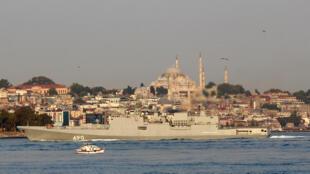 Chiến hạm Nga Đô đốc Essen triển khai trong vịnh Bosphore - Địa Trung Hải, gần Istanbul, Thổ Nhĩ Kỳ, ngày 25/08/2018.