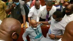 Babban daraktan hukumar raya yankin Niger Delta Daniel Pondei bayan farfadowa daga suman da yayi, lokacin amsa tambayoyi gaban kwamitin majalisar dokokin Najeriya