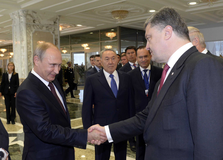Vladimir Poutine et Petro Porochenko à Minsk, le 26 août 2014.