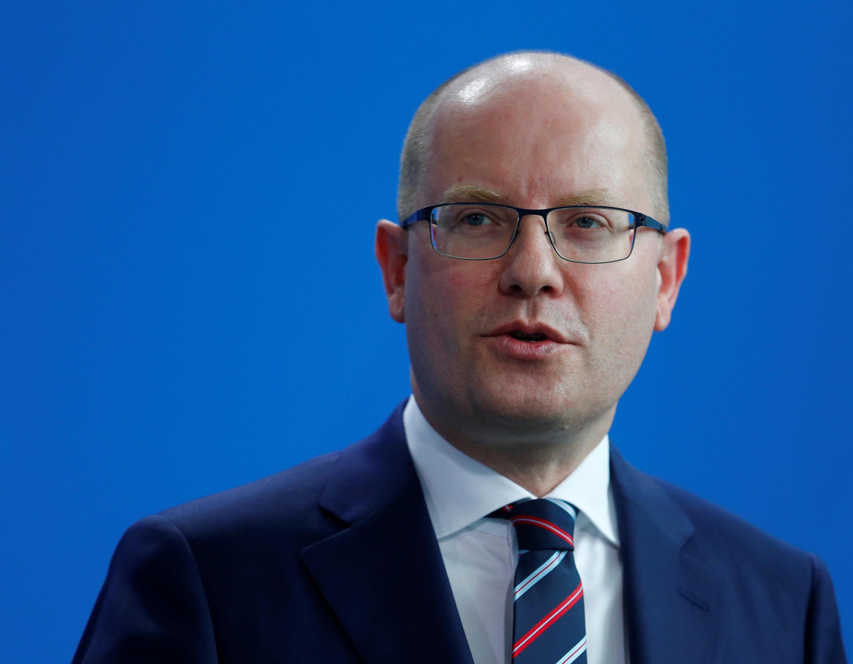 Suite à un conflit avec son ministre des Finances, Bohuslav Sobotka, le Premier ministre tchèque a annoncé ce 2 mai 2017 la démission de son gouvernement.