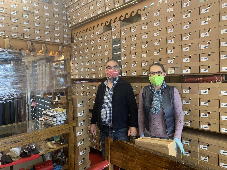 Manuela Pinto e Manuel Pinto, donos da sapataria Ypson's