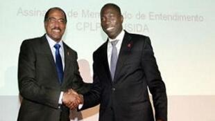 Da esquerda para direita: Diretor Executivo da ONUSIDA, Michel Sidibé, e Diretor Executivo da CPLP, Domingos Simões Pereira. Assinatura do acordo de cooperação.