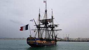L'Hermione quitte le port de Tanger, le 12 mars 2018.