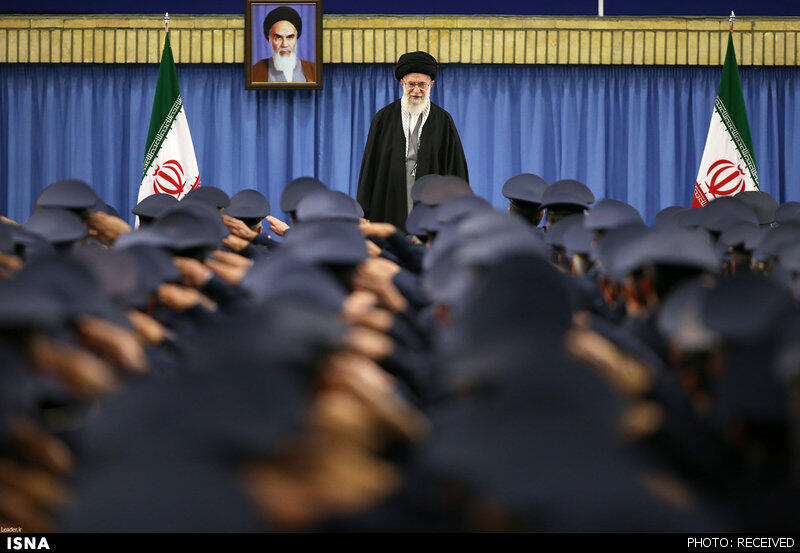 آیتالله علی خامنهای، در ملاقات با فرماندهان و جمعی از کارکنان نیروی هوایی جمهوری اسلامی ایران