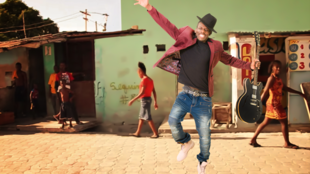 WESLI - artista haitiano