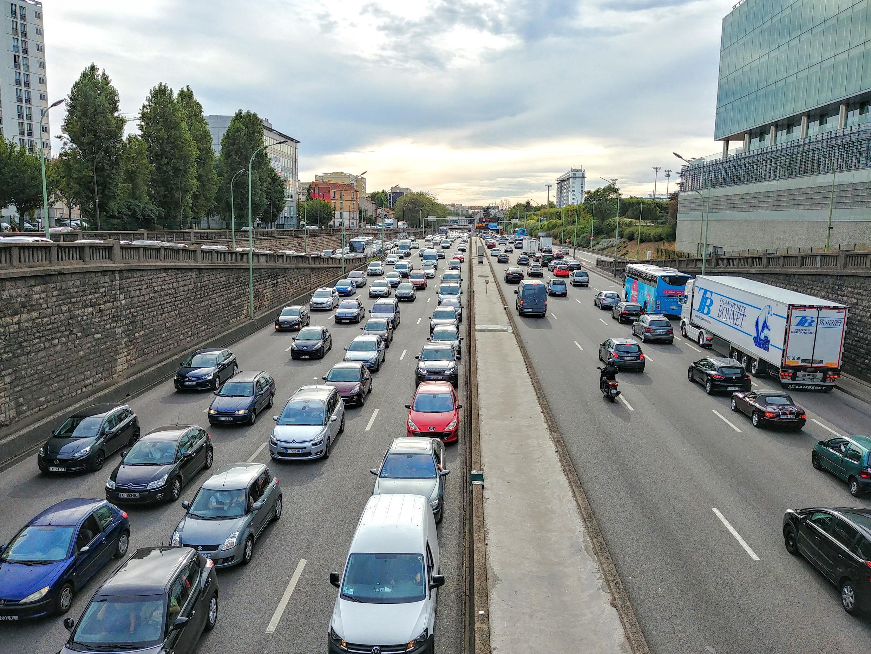 Việc hạn chế xe hơi lưu thông làm giảm 60% dòng xe cộ trong nội thành và 35% trên xa lộ vành đai