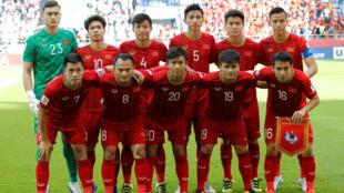 Đội hình ra quân của đội tuyển bóng đá Việt Nam trong trận đấu vòng 1/8 ASIAN CUP 2019 tại Dubai ngày 20/01/2019.