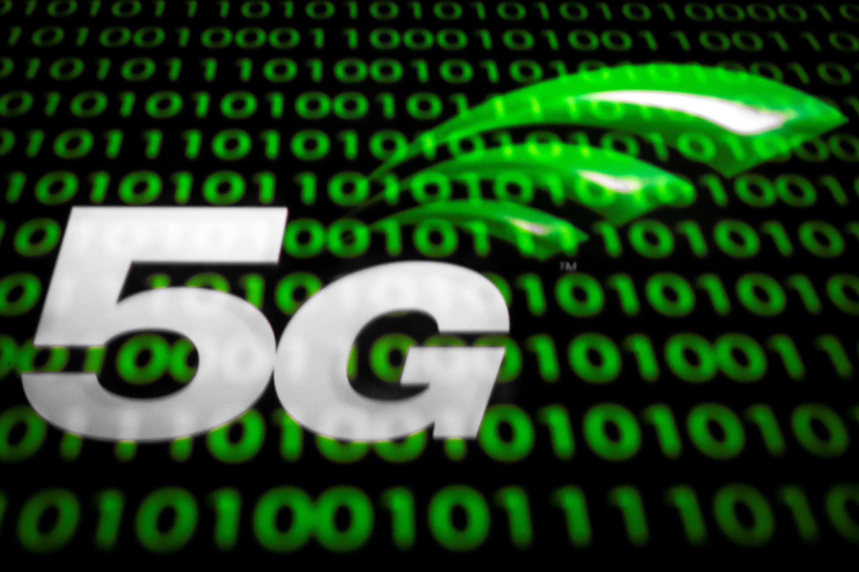 Un logo de la teconología 5G en una tablet, el 18 de febrero de 2019