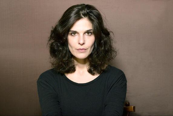 Portrait de la romancière Claire Castillon.