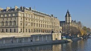O Quai des Orfèvres, sede da polícia francesa no centro de Paris.